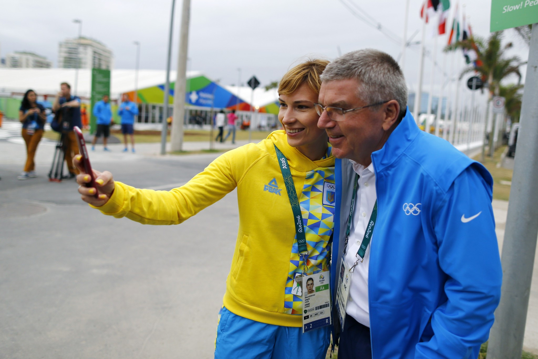 Ukraine's Olena Kostevych, pictured alongside International Olympic Committee President Thomas Bach, is among the members of the European Shooting Confederation Athletes' Commission ©Getty Images