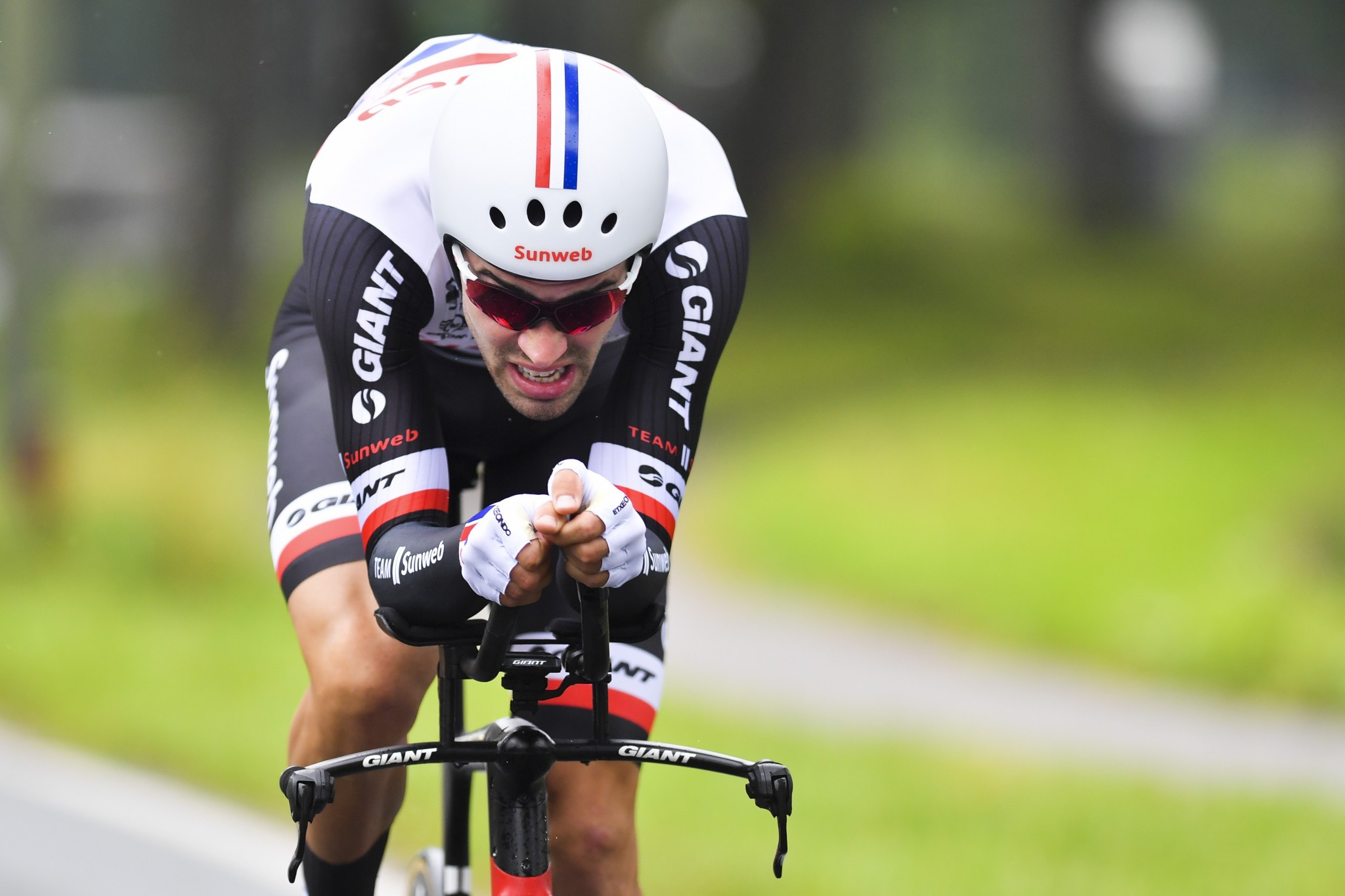 Küng earns BinckBank Tour race lead after time trial success
