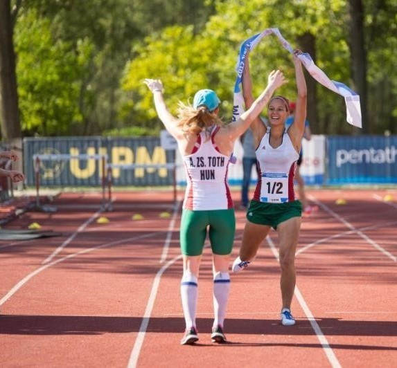 Hungary won the women's relay gold medal today ©UIPM