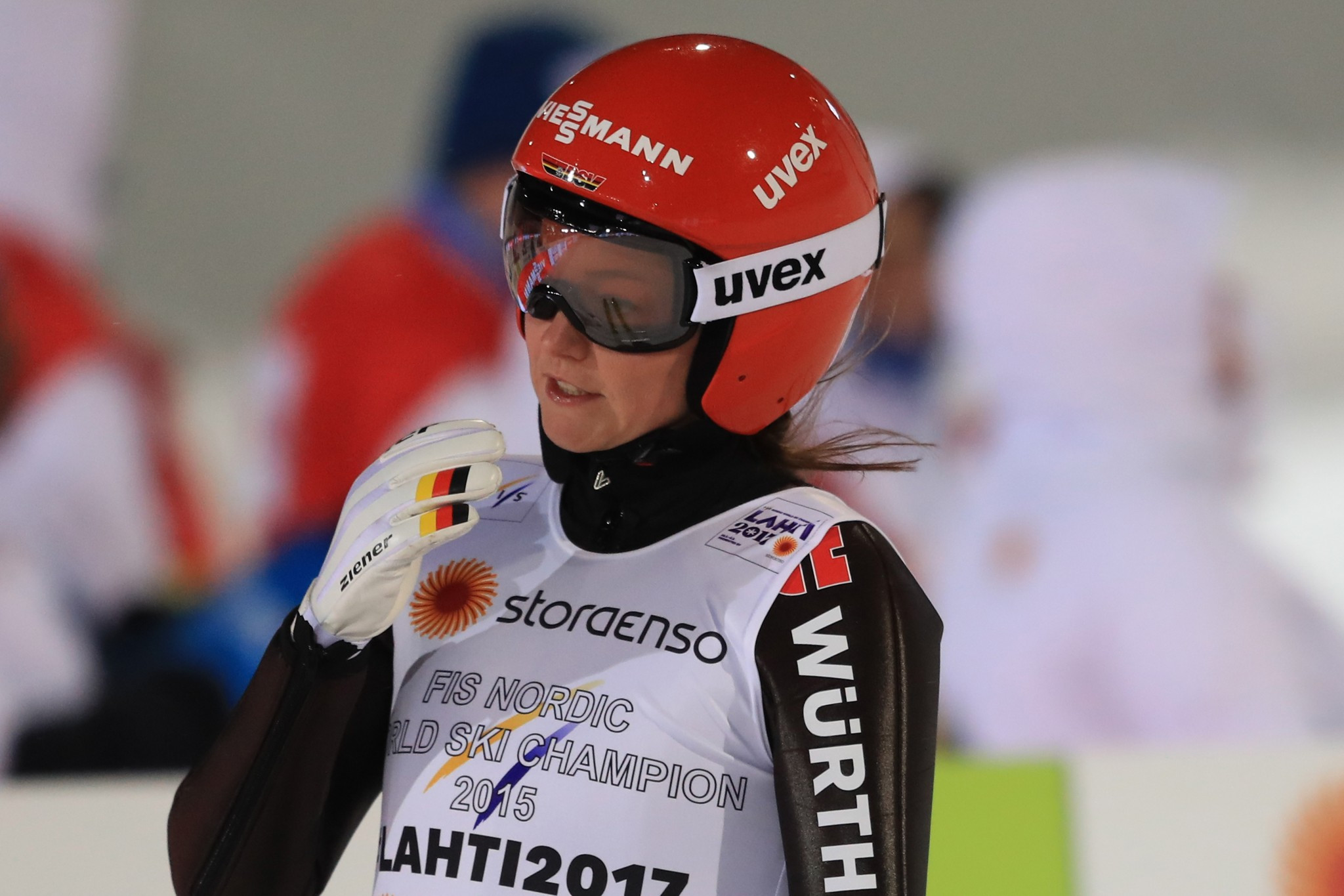 Olympic ski jumping champion Vogt suffers knee injury