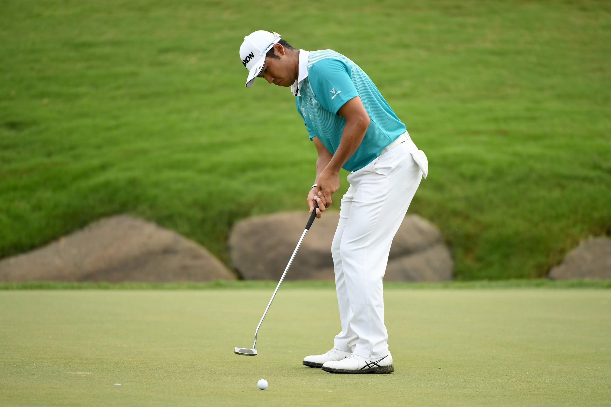 Matsuyama moves into tie for PGA Championship lead