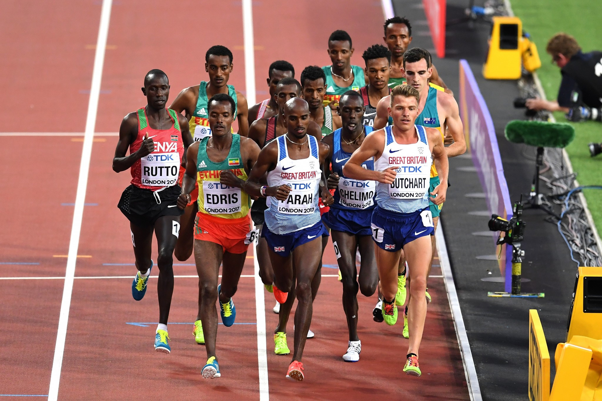 Sir Mo Farah took to the track in his final major race ©Getty Images