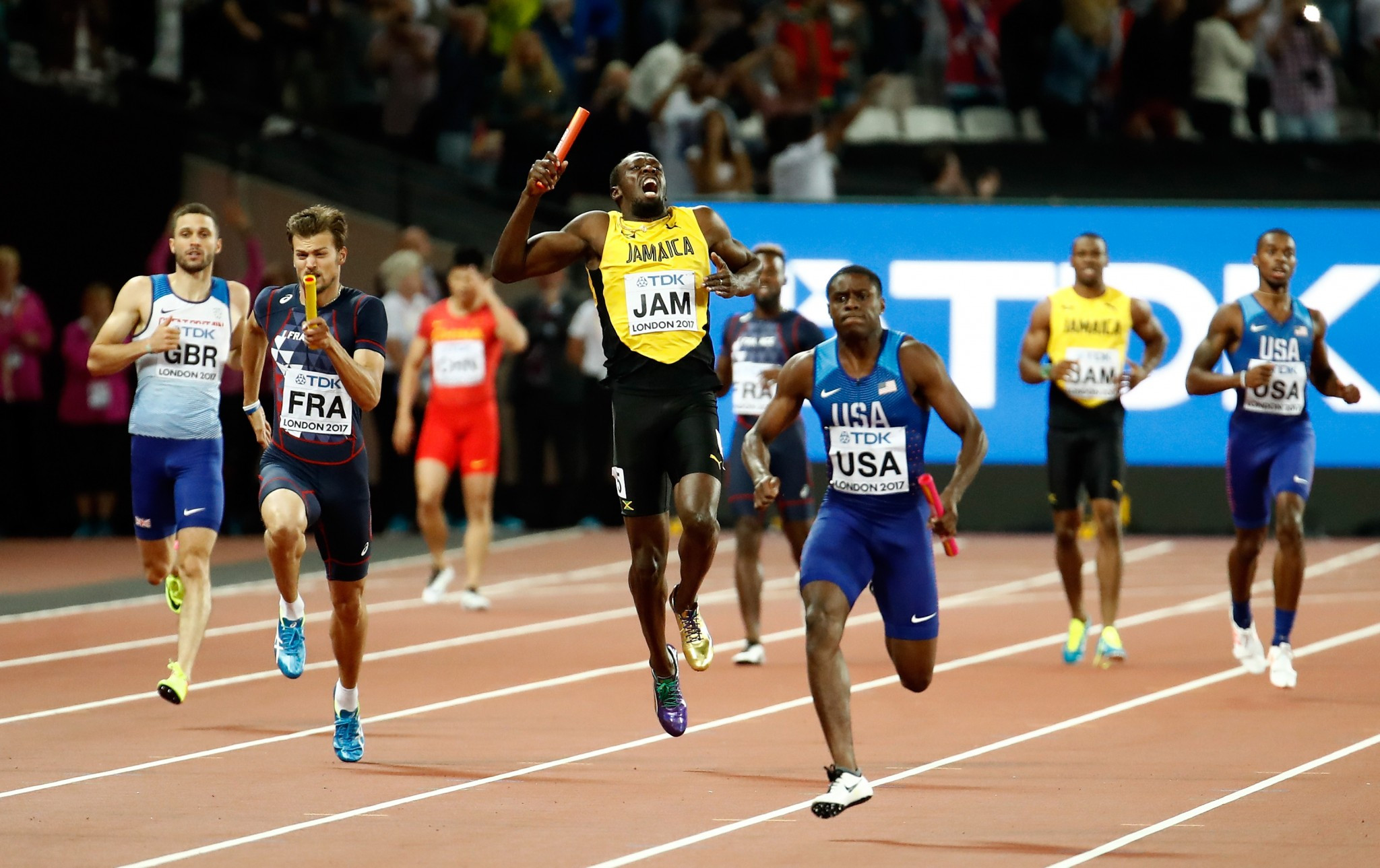 Usain Bolt pulled up with injury in the final race of his career ©Getty Images