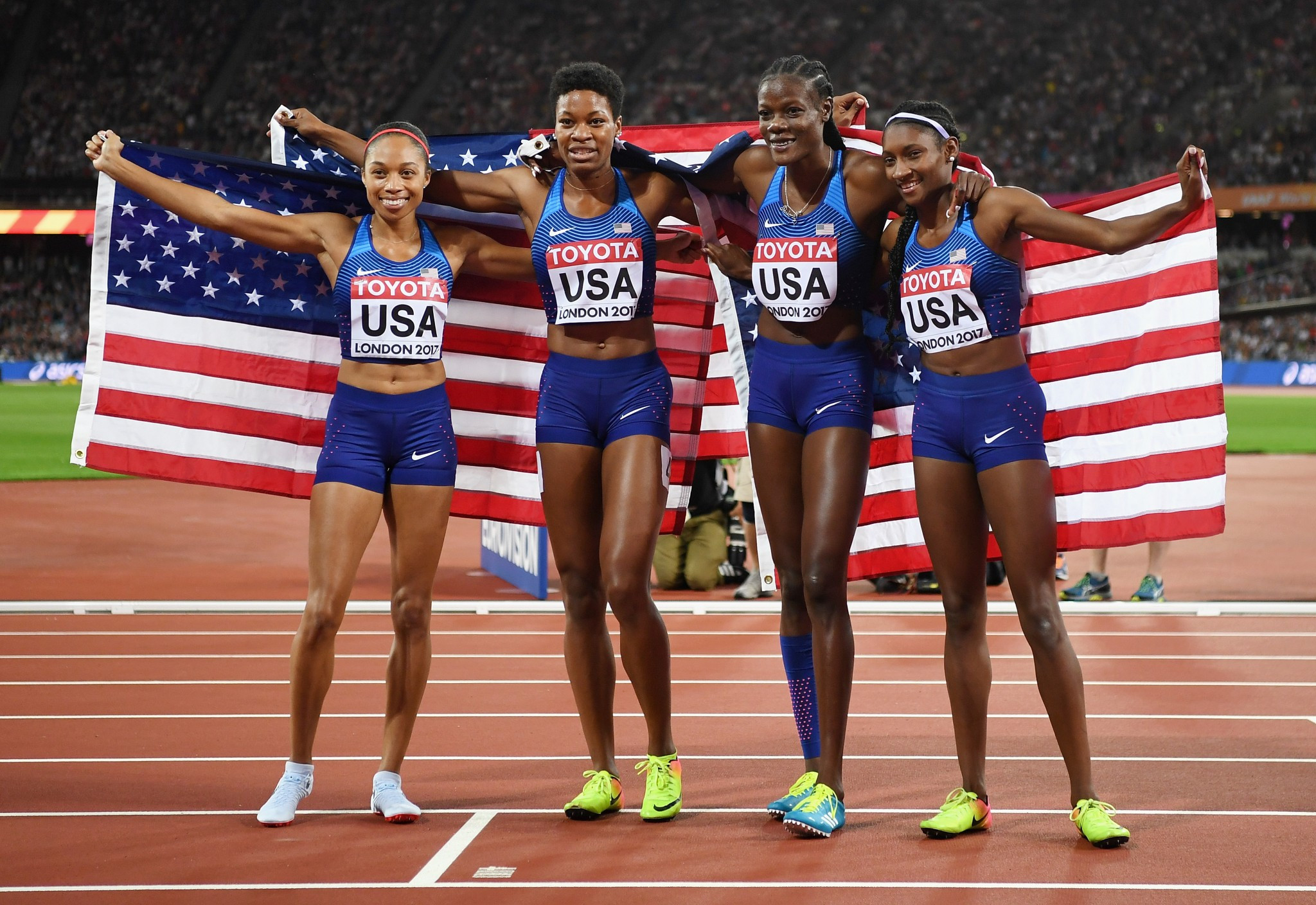 The United States blew the rest of the field out of the water on their way to the women's 4x400m relay crown ©Getty Images