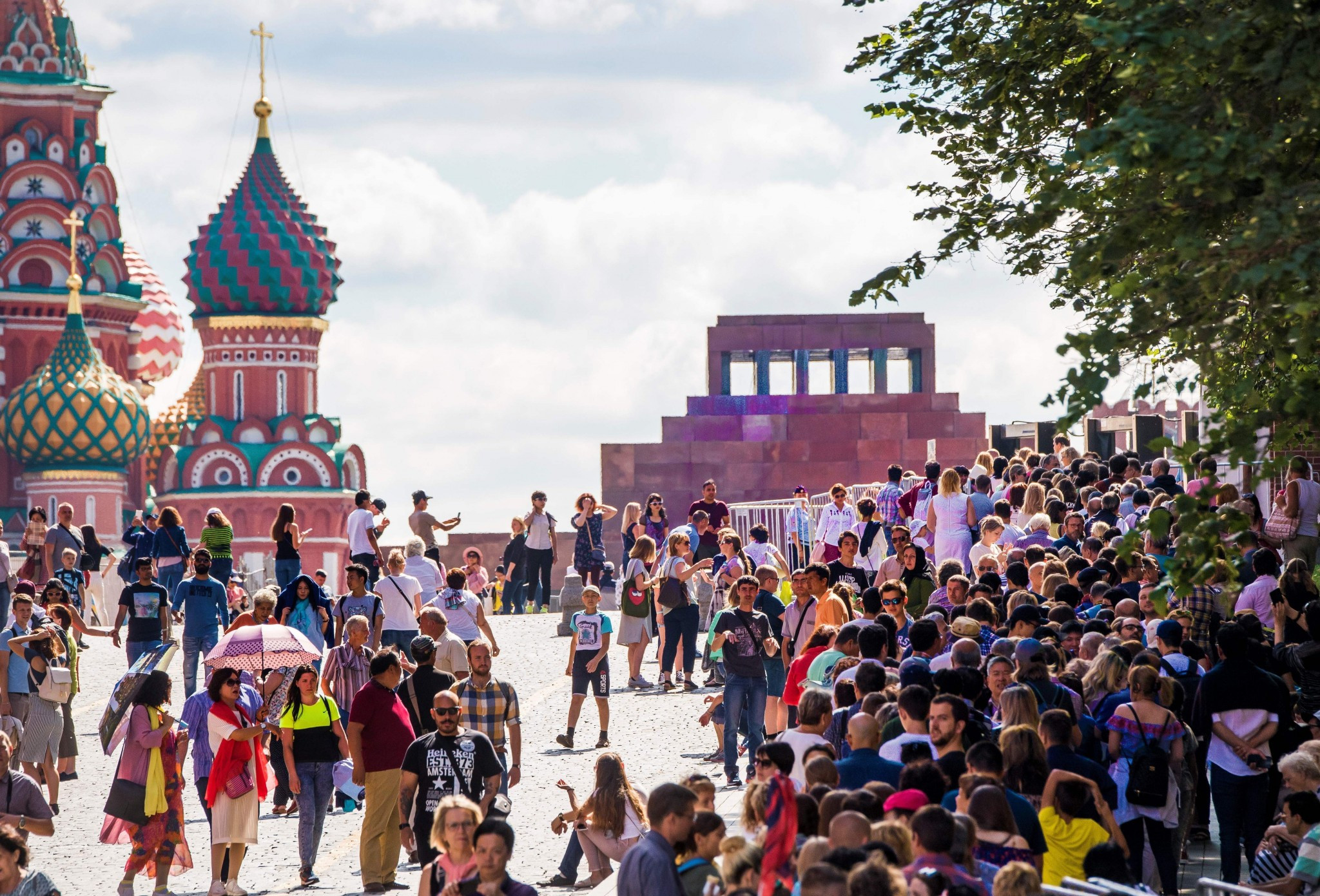 Fans offered Russia 2018 World Cup advice in London