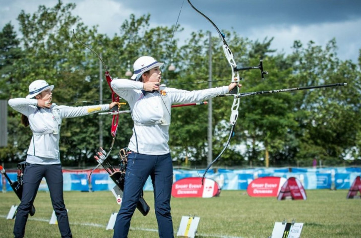 Olympic champion Ki Bo Bae beat fellow South Korean Choi Misun to book her place in the recurve women's final
