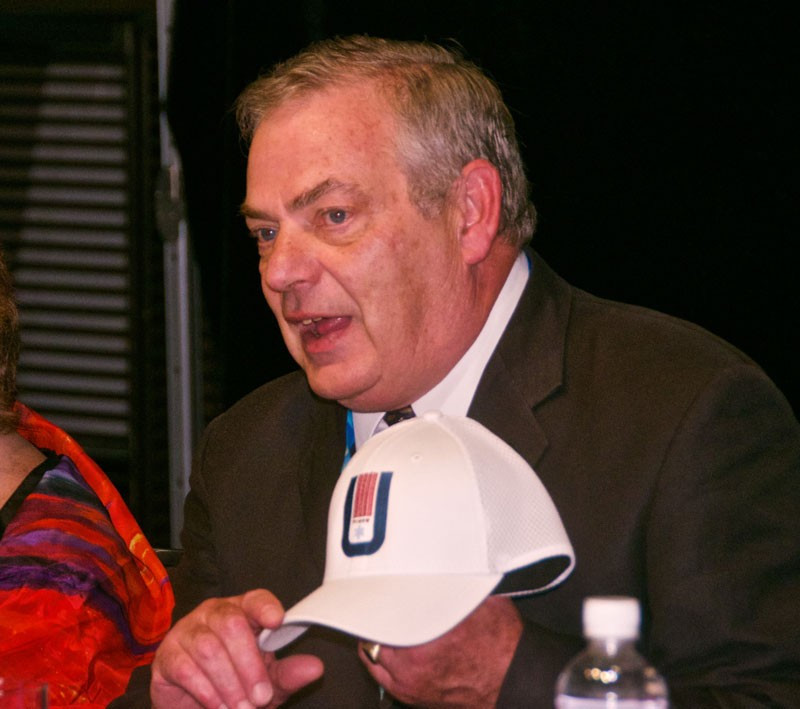 Lake Placid officials gave hats to FISU Executive Committee members featuring the 1972 Winter Universiade logo ©FISU