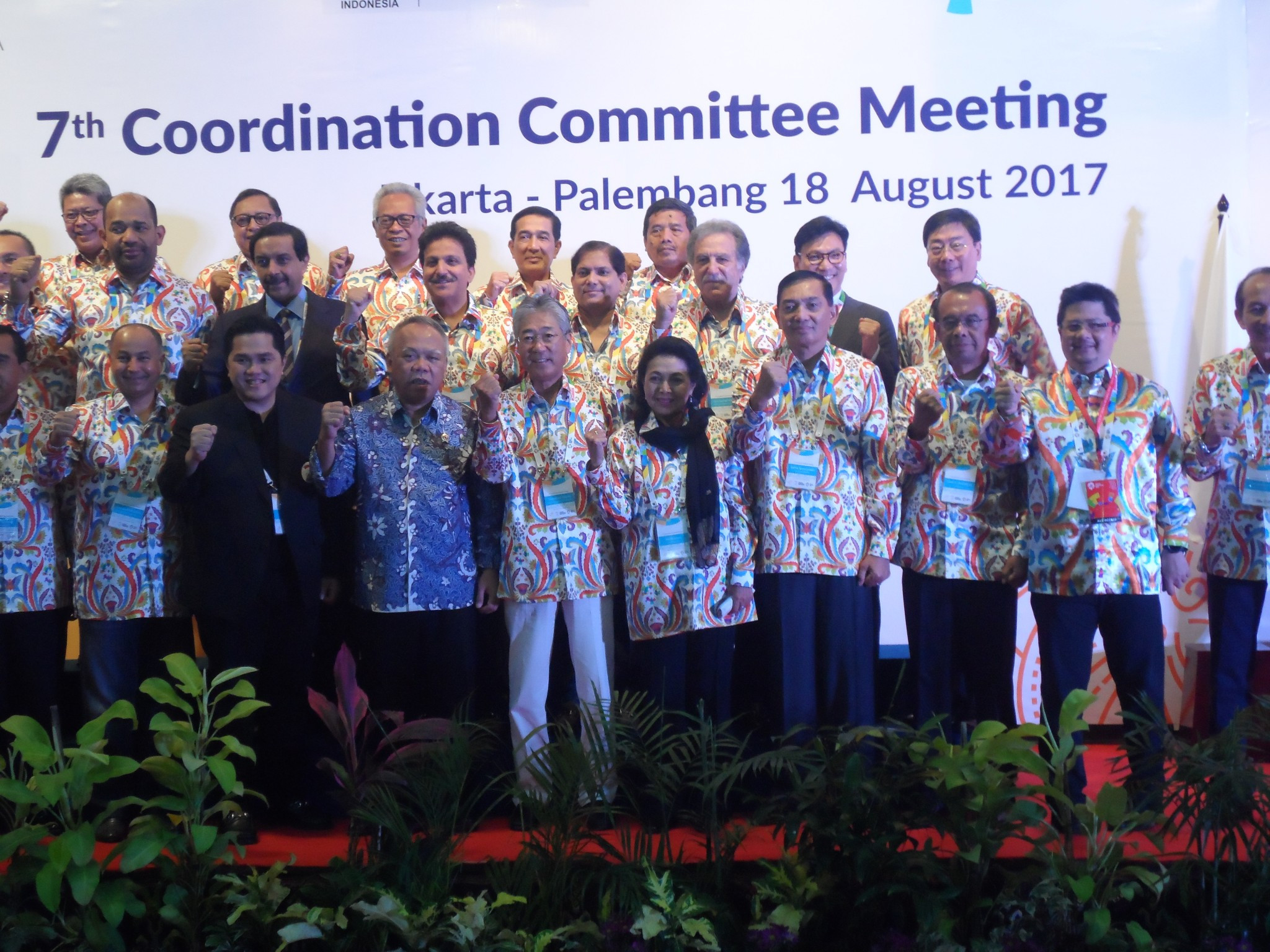 Delegates and officials celebrate a productive and successful 7th Coordination Committee meeting in Jakarta exactly a year before the 18th Asian Games get underway there ©OCA