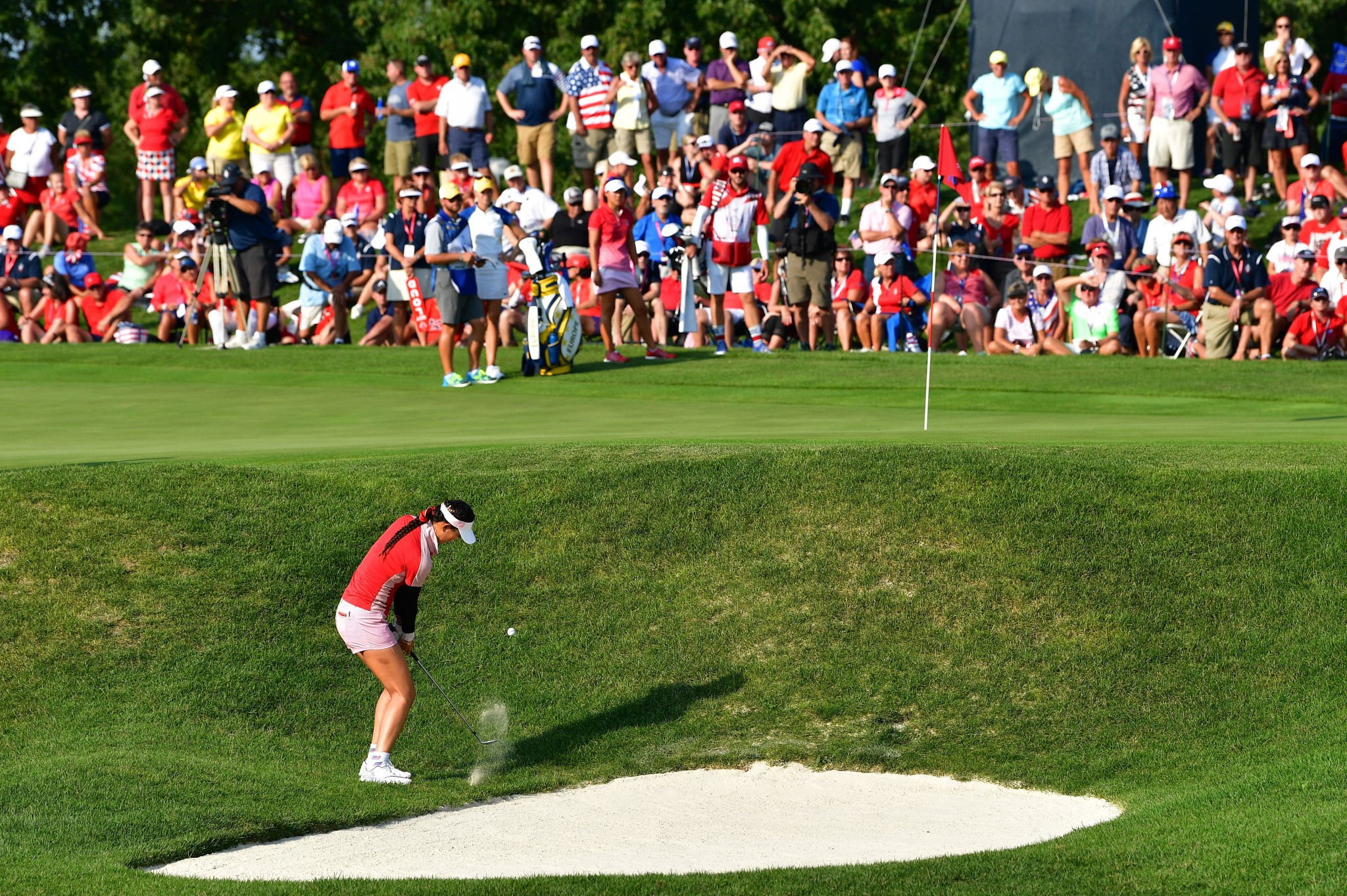 US enjoy dominant afternoon to take lead at Solheim Cup