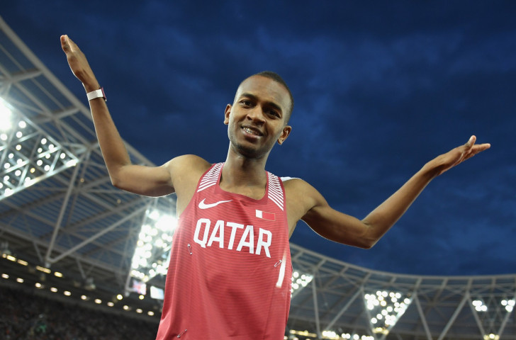 Mo Farah cruises to victory on home farewell