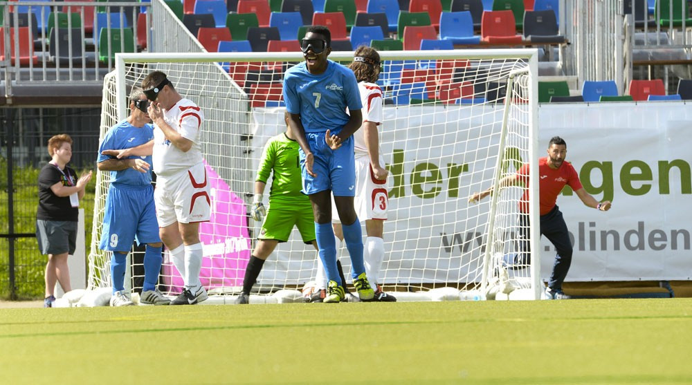 Paul Iboyo scored all four goals as Italy beat Romania ©IBSA