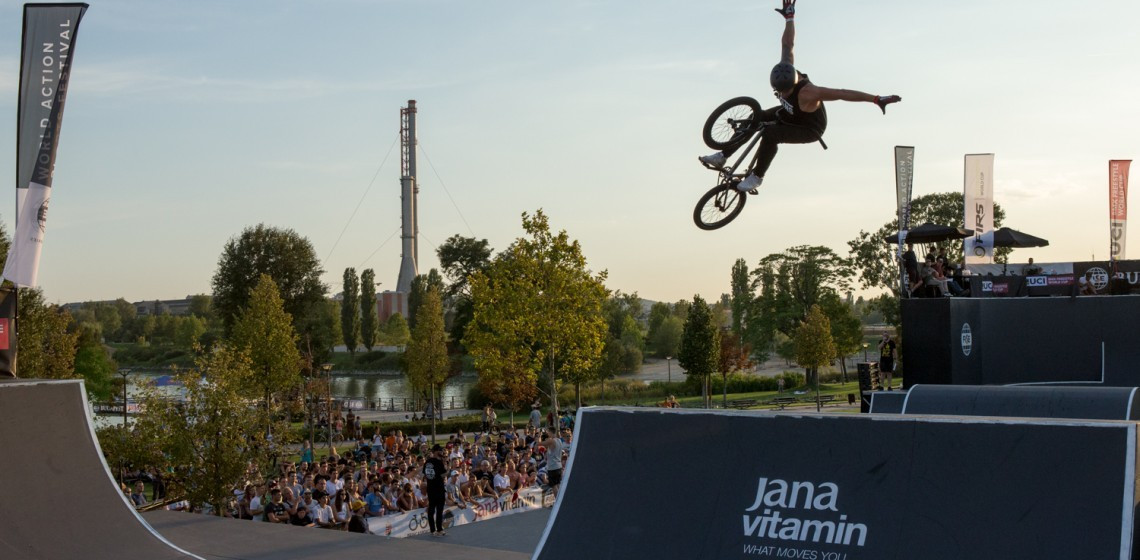 Loupos wins men's BMX Freestyle Park World Cup event at FISE World Series