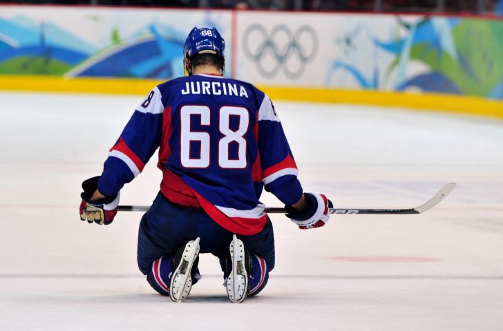 Slovenský Milan Jorcina reprezentuje Fínsko v play-off o bronz na zimných hrách vo Vancouveri 2010 © Getty Images