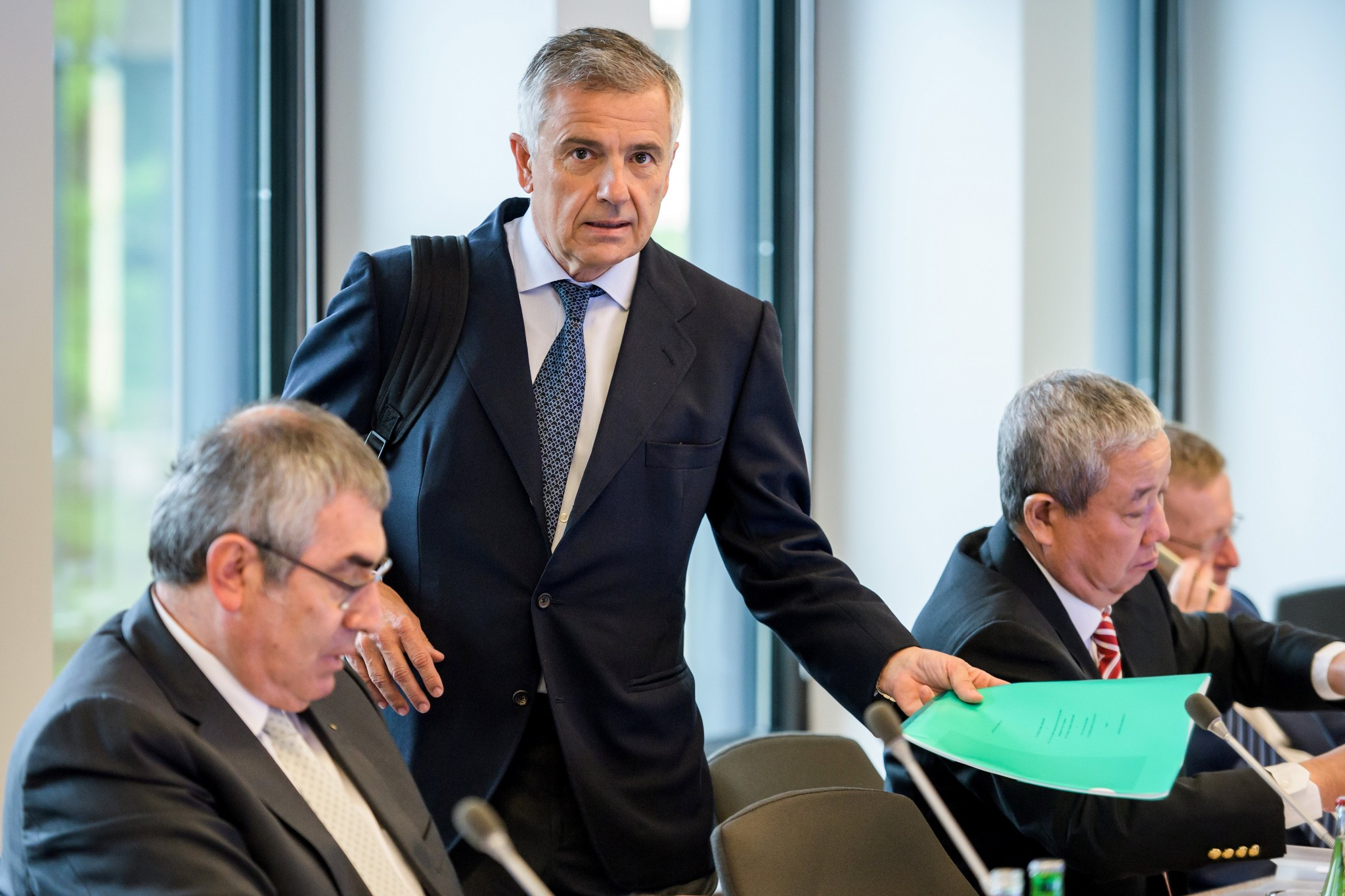 Does Juan Antonio Samaranch Junior, standing, have the best chance of succeeding Thomas Bach of any member of the current Executive Board? ©Getty Images
