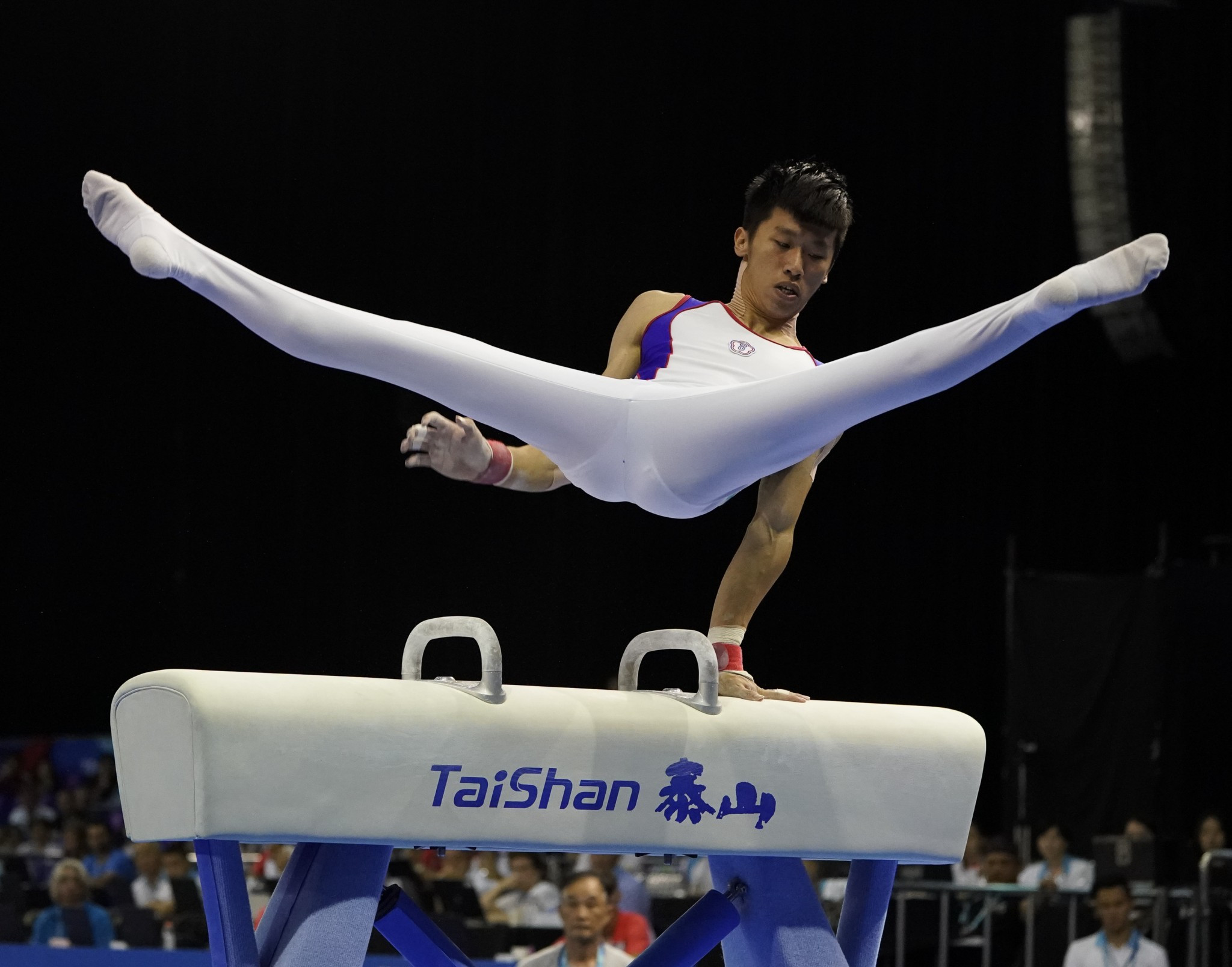 Ten gymnasts claim gold medals as artistic competition concludes at Taipei 2017