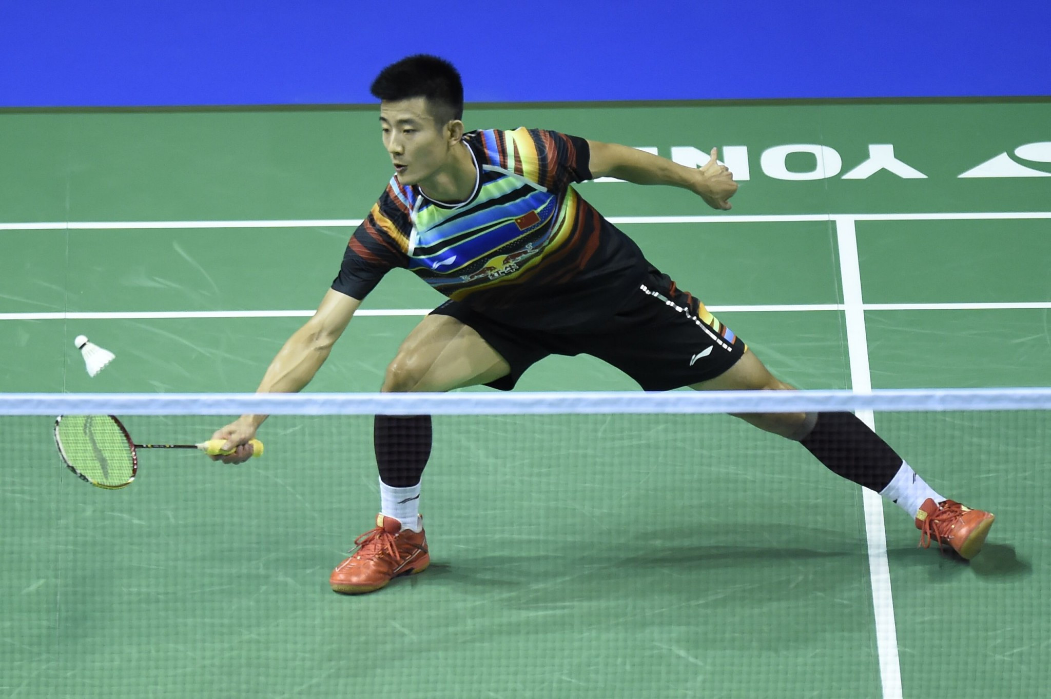 Chen marches on at BWF World Championships