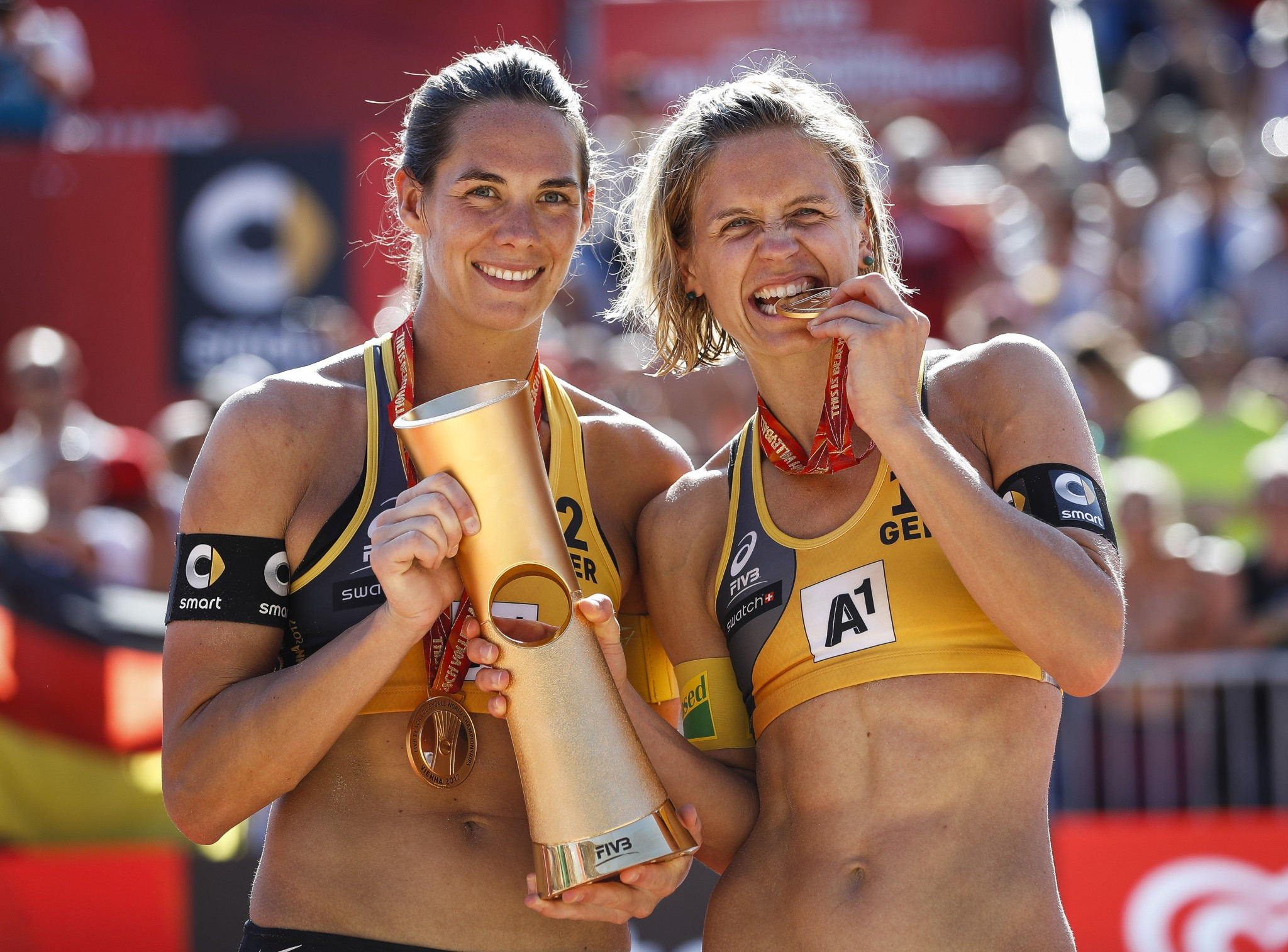Olympic and world champions begin FIVB Beach World Tour Finals with victory