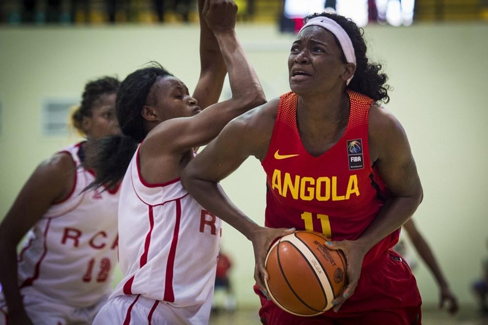 Angola cruised into the last eight ©FIBA