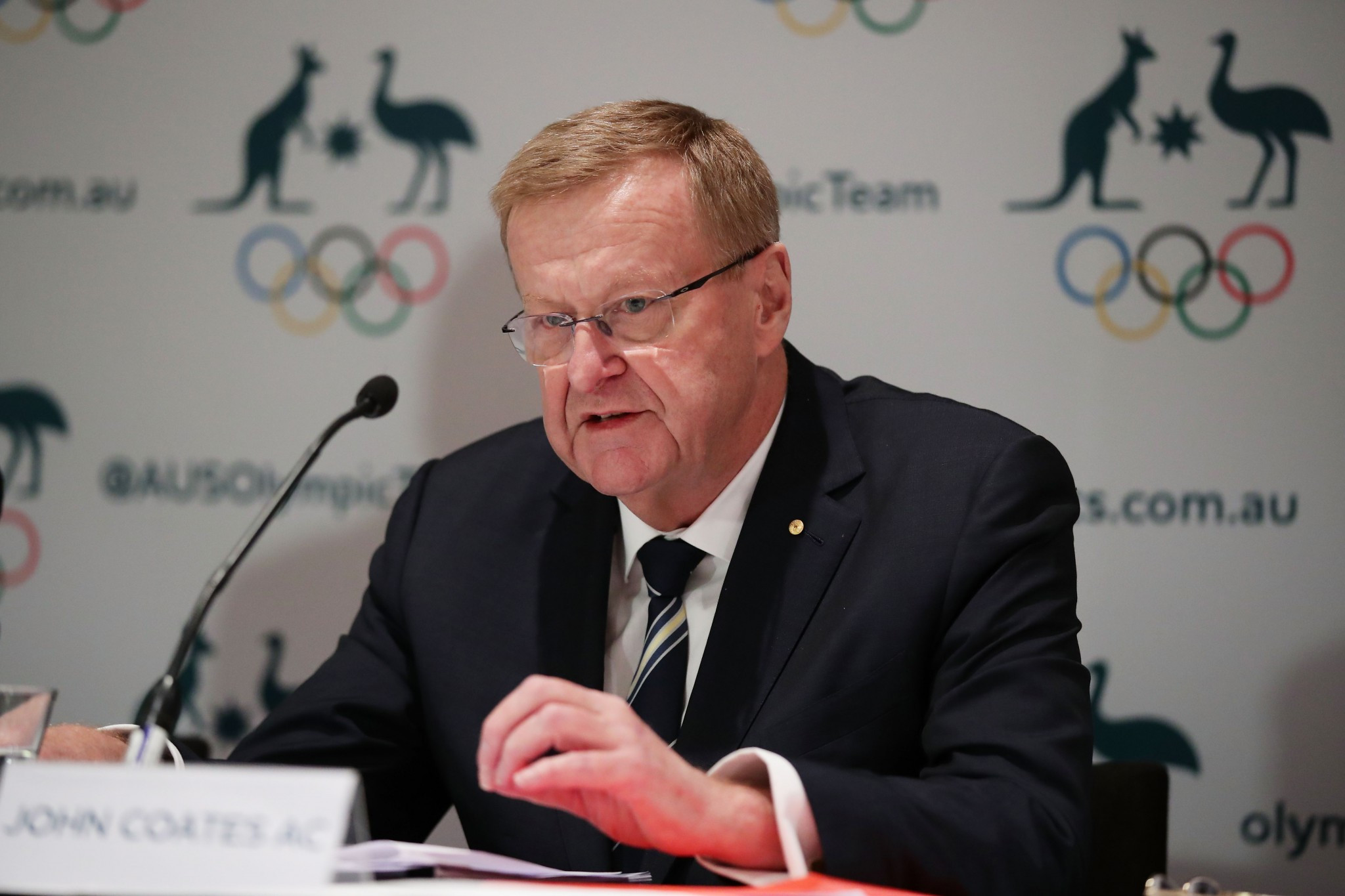 "Review calls on Australian Olympic Committee to acknowledge  ""significant challenges"" in workplace culture"