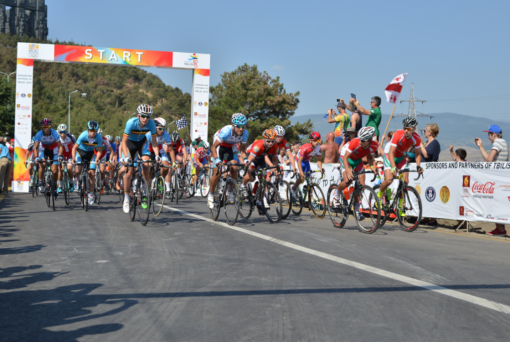 Both cycling road races were decided by sprint finishes by the Tbilisi Sea