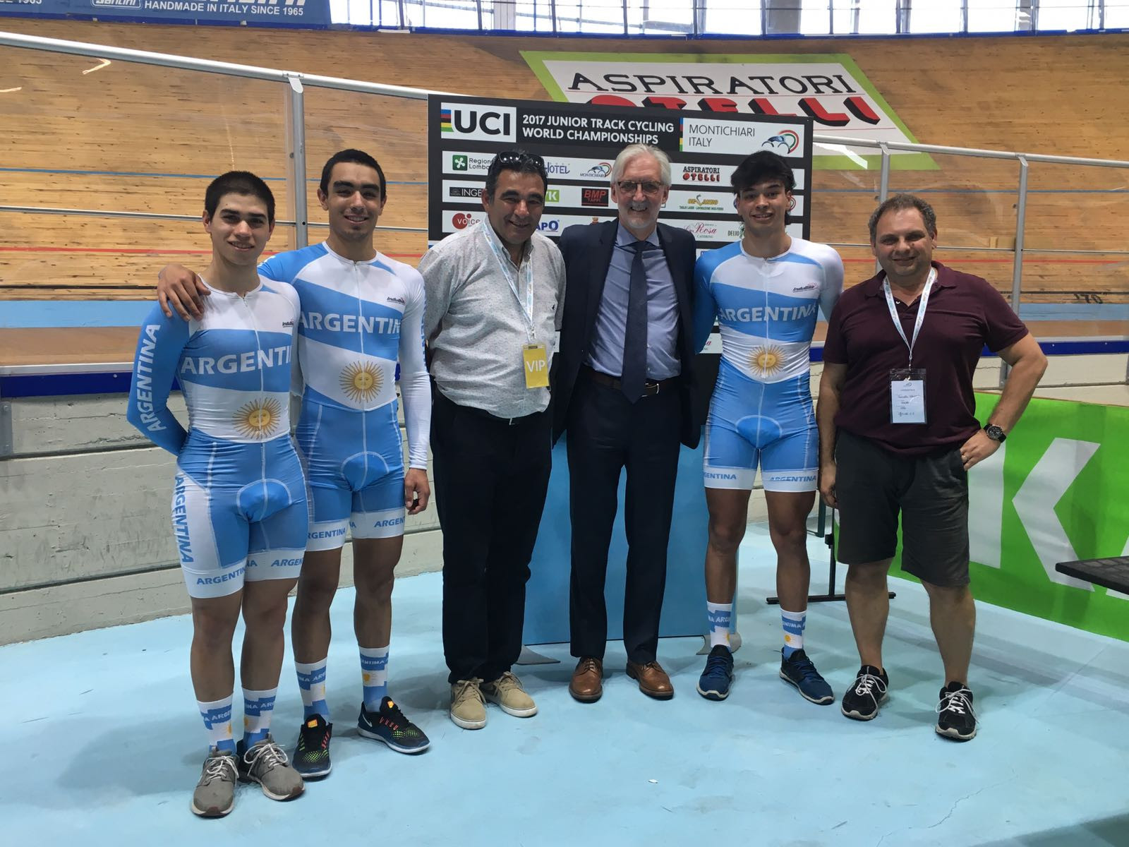 Cookson praises growth of sport during visit to UCI Junior World Championships