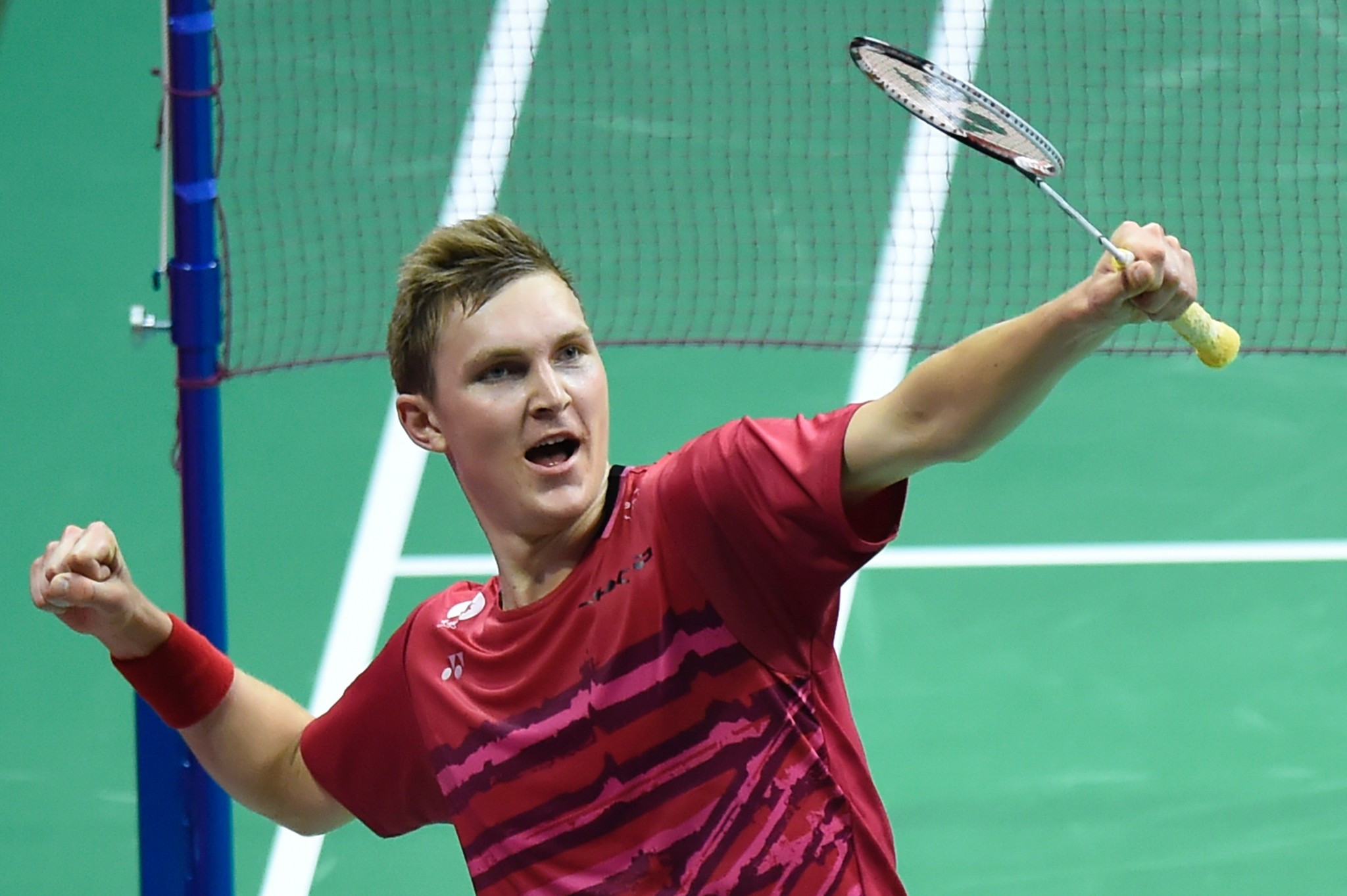 Axelsen ends reign of Chen to reach BWF World Championship final