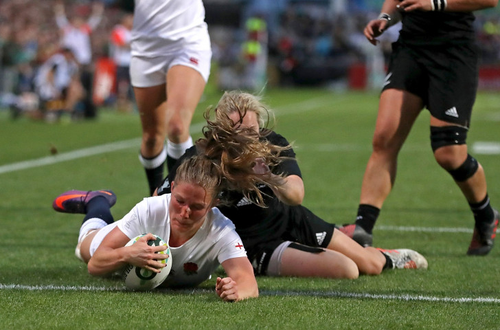 England's Lydia Thompson scored two tries but it was not enough ©Getty Images