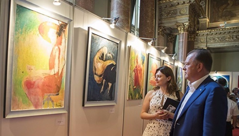 IJF President Marius Vizer opened the special art exhibition to coincide with the World Championships ©IJF