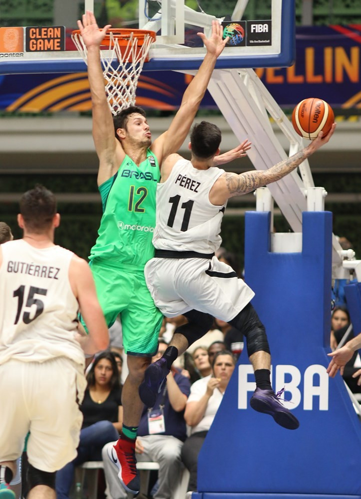 Mexico proved too strong for Brazil as they reached the last four ©FIBA