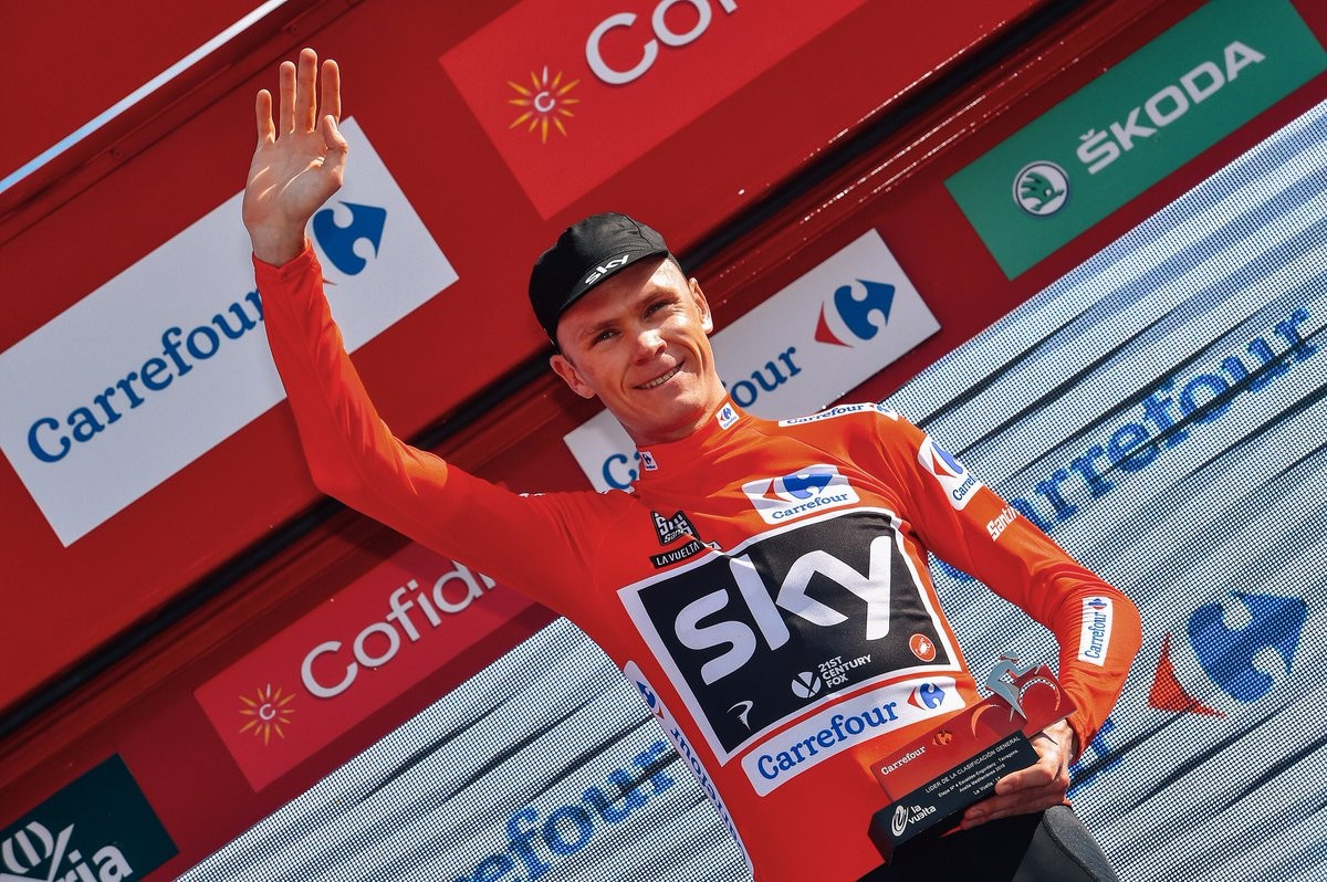 Froome keeps La Vuelta crown in sight