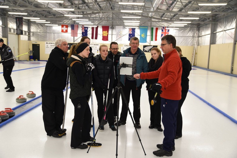 Competitors from Australia and New Zealand took part in the World Curling Federation Stepping Stones programme led by competitions and development officer Scott Arnold in Naseby ©NZCA