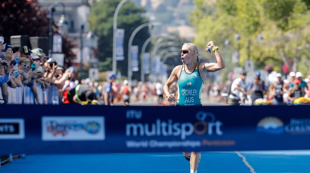 Sarah Crowley of Australia finished strongly to win the ITU Long Distance World Championships in Penticton ©ITU