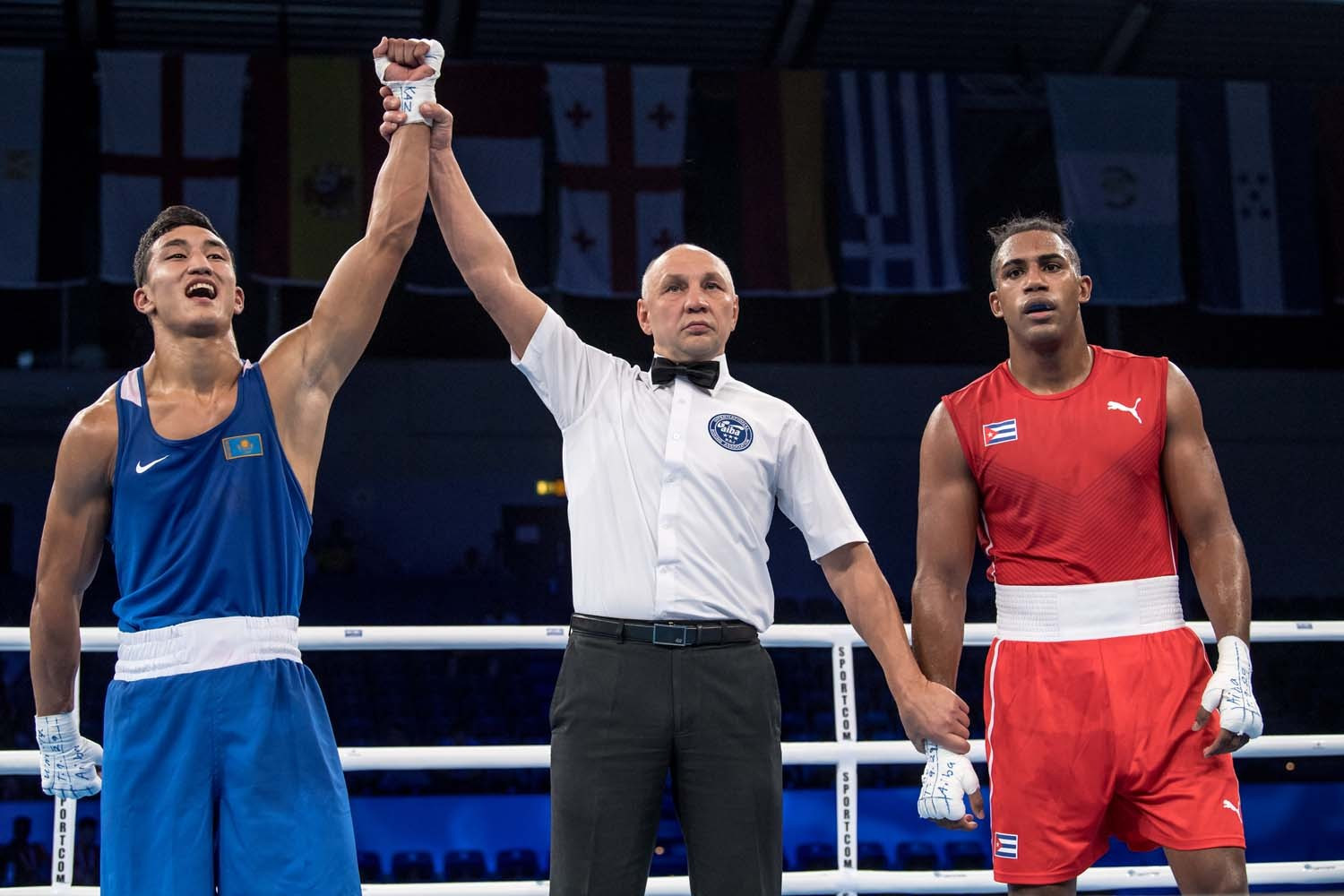 Middleweight king López crashes out of AIBA World Championships