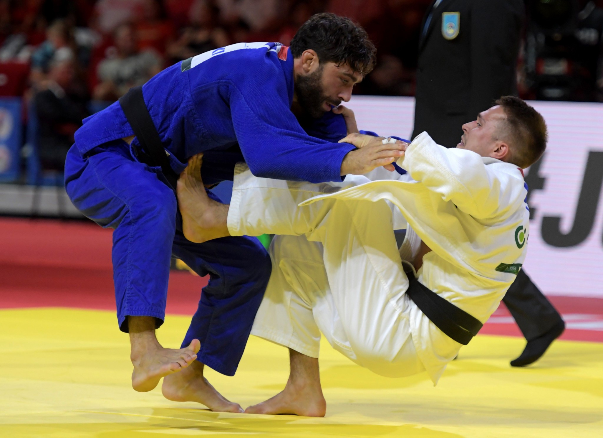 Germany's Alexander Wieczerzak won his first world title when he beat Italy's Matteo Marconcini in the under 81kg ©Getty Images