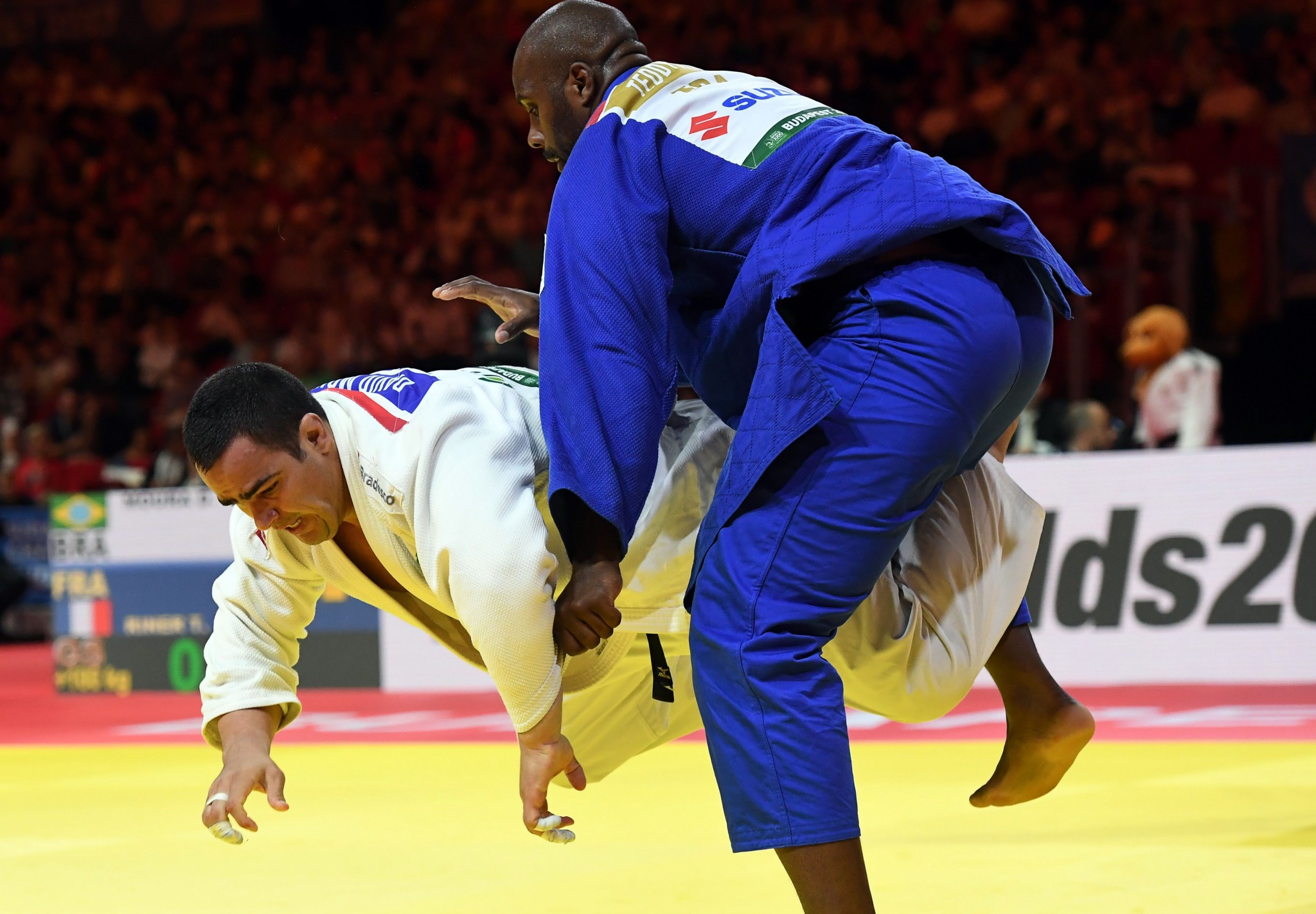 Teddy Riner was pushed all the way in the final by Brazilian opponent David Moura ©Getty Images
