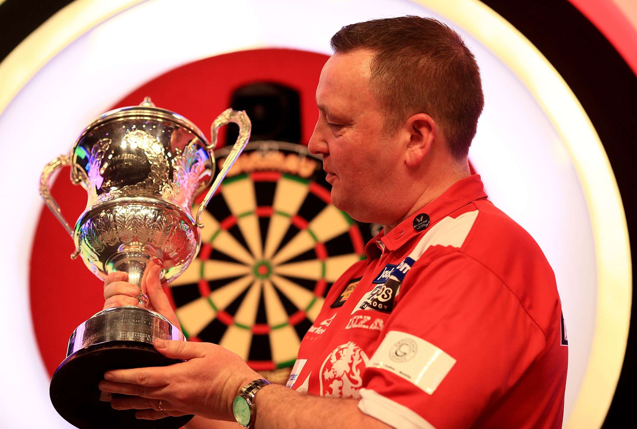England's Glen Durrant will not have the chance to defend the team title won at the last WDF World Cup as plans to compete in Kobe have been cancelled ©Getty Images