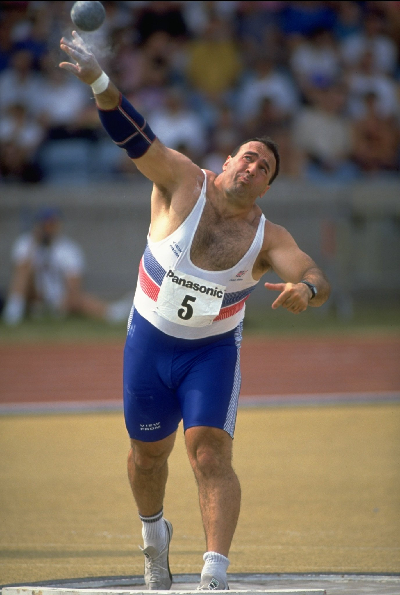 Paul Edwards, pictured during his international shot putting days, continues to dispute doping charges that earned him a life ban in 1997 ©Getty Images