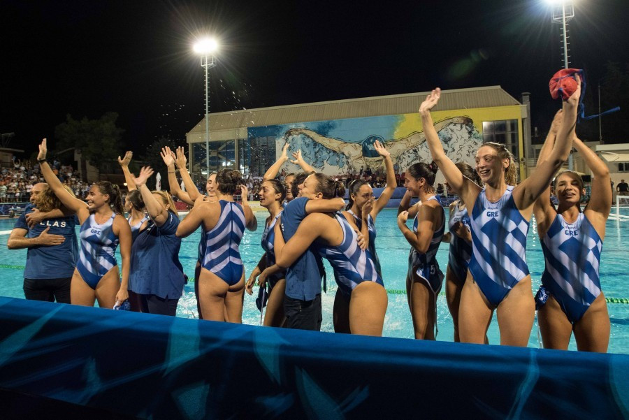 Hosts Greece through to World Women's Junior Water Polo Championships final