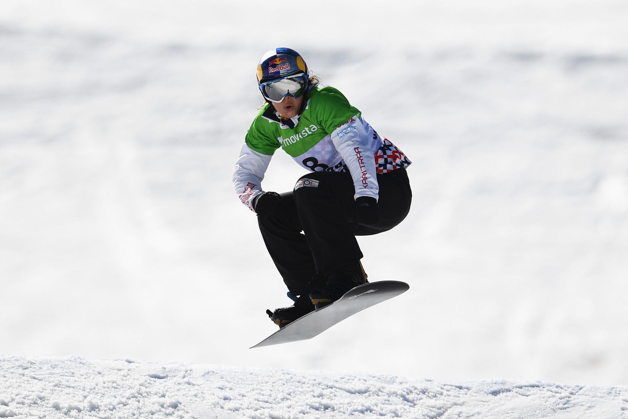 Olympic champion Samková makes impressive start to FIS Snowboard Cross World Cup campaign