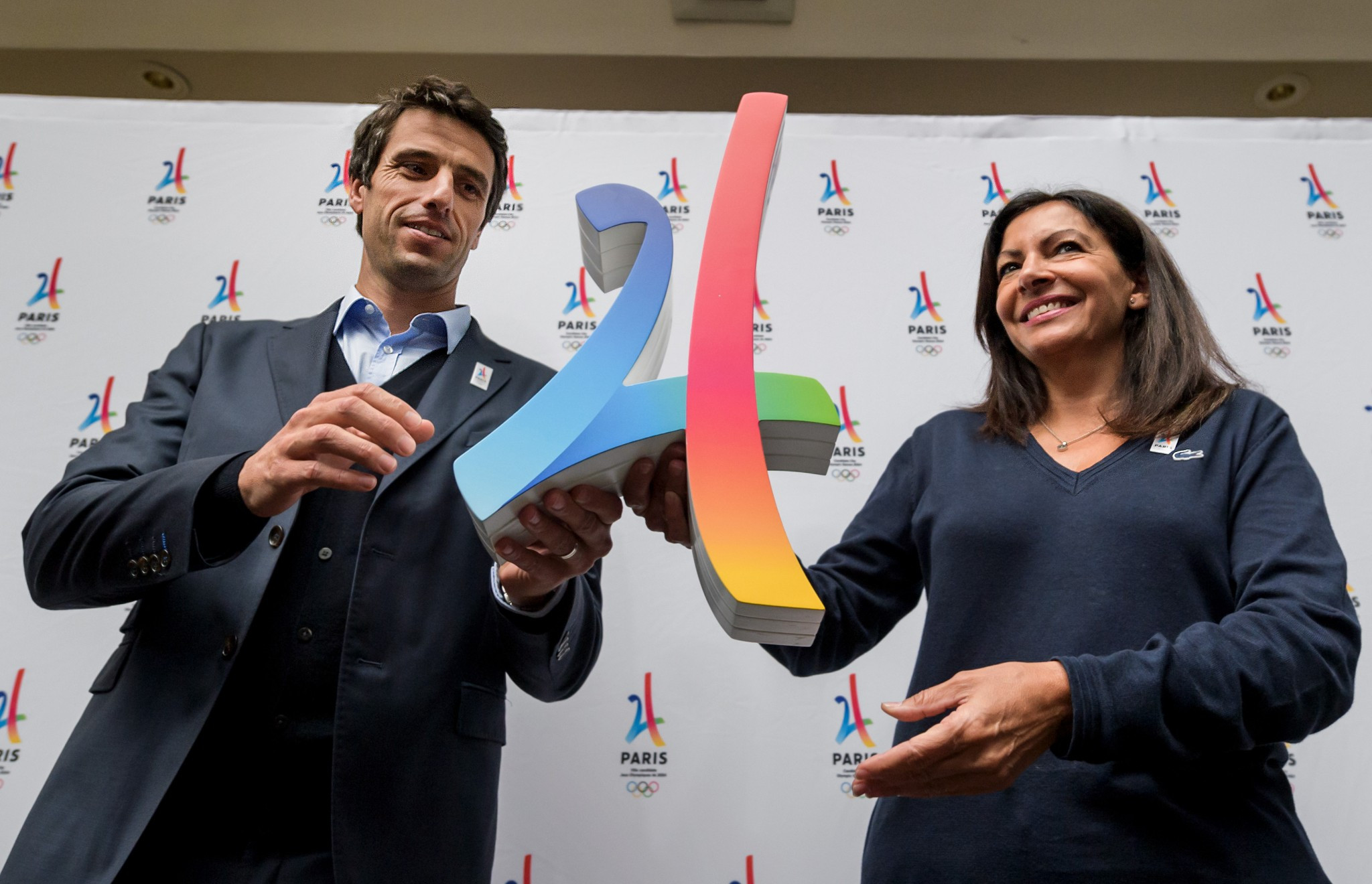 Tony Estanguet, left, and Anne Hidalgo spoke on arrival in Lima ©Getty Images