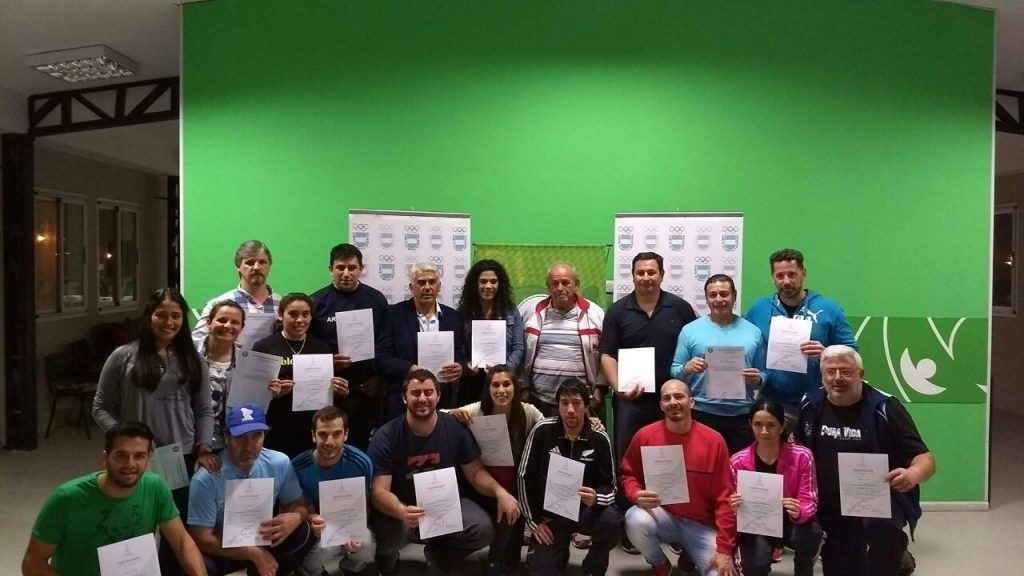 Graduates of an Olympic Solidarity course in Argentina ©IWF