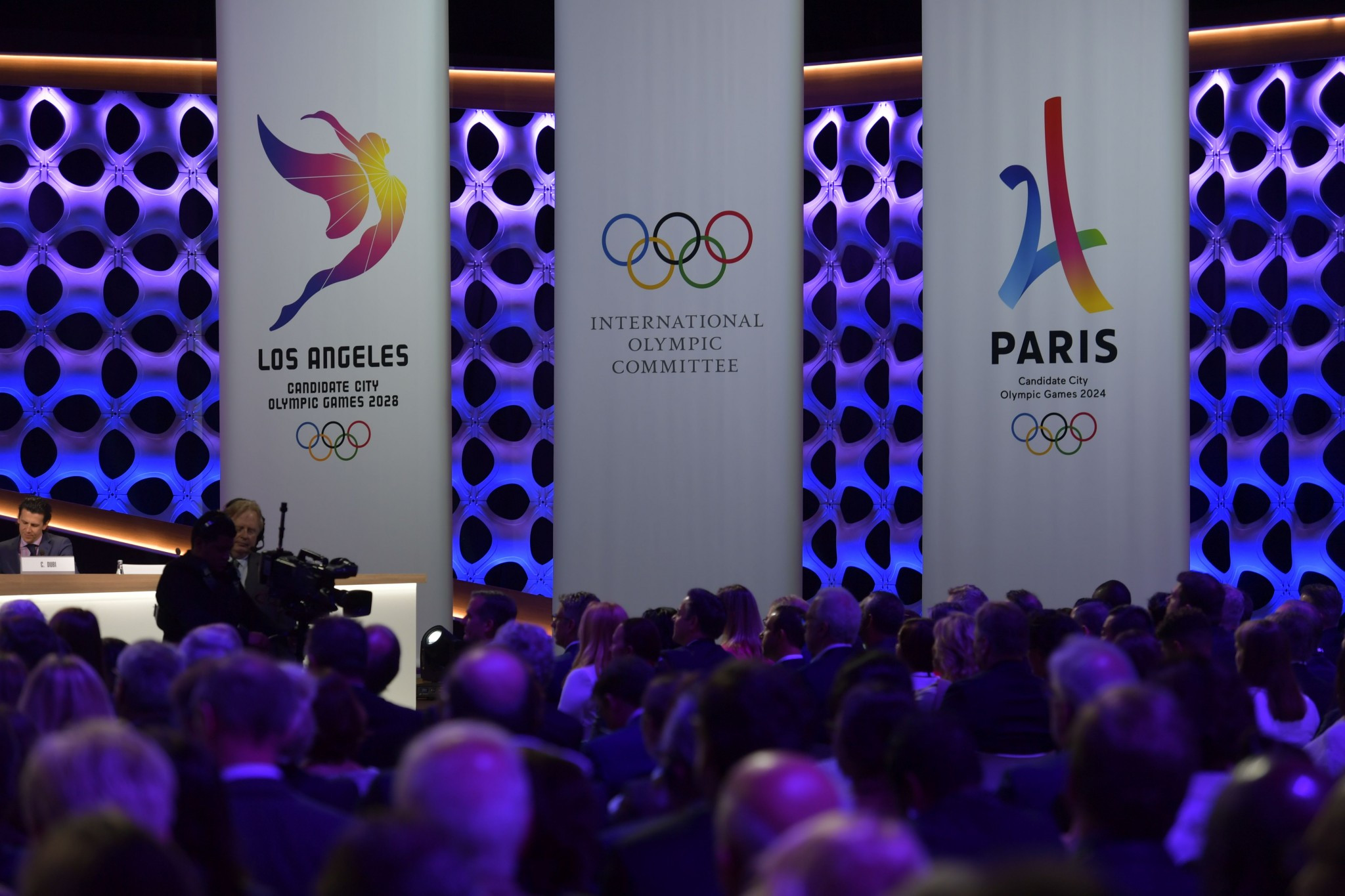 The agreement confirmed the first double awarding of the Olympic Games ©Getty Images
