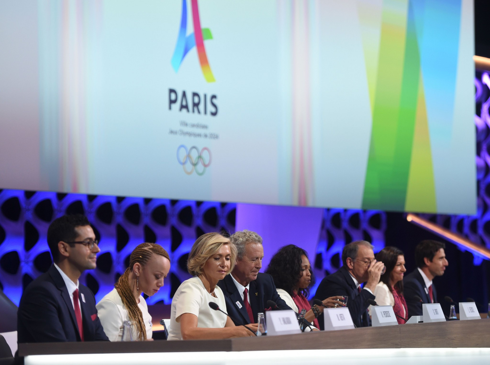 Hosting 2024 Olympics will help reinvention of Paris promises Mayor