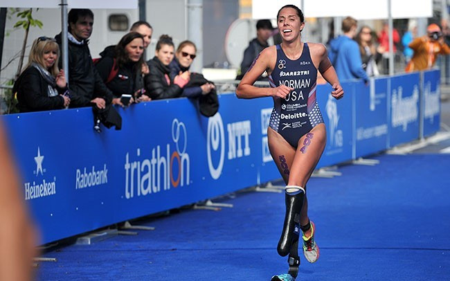 Grace Norman of the United States successfully defended her women's PTS5 world title ©ITU