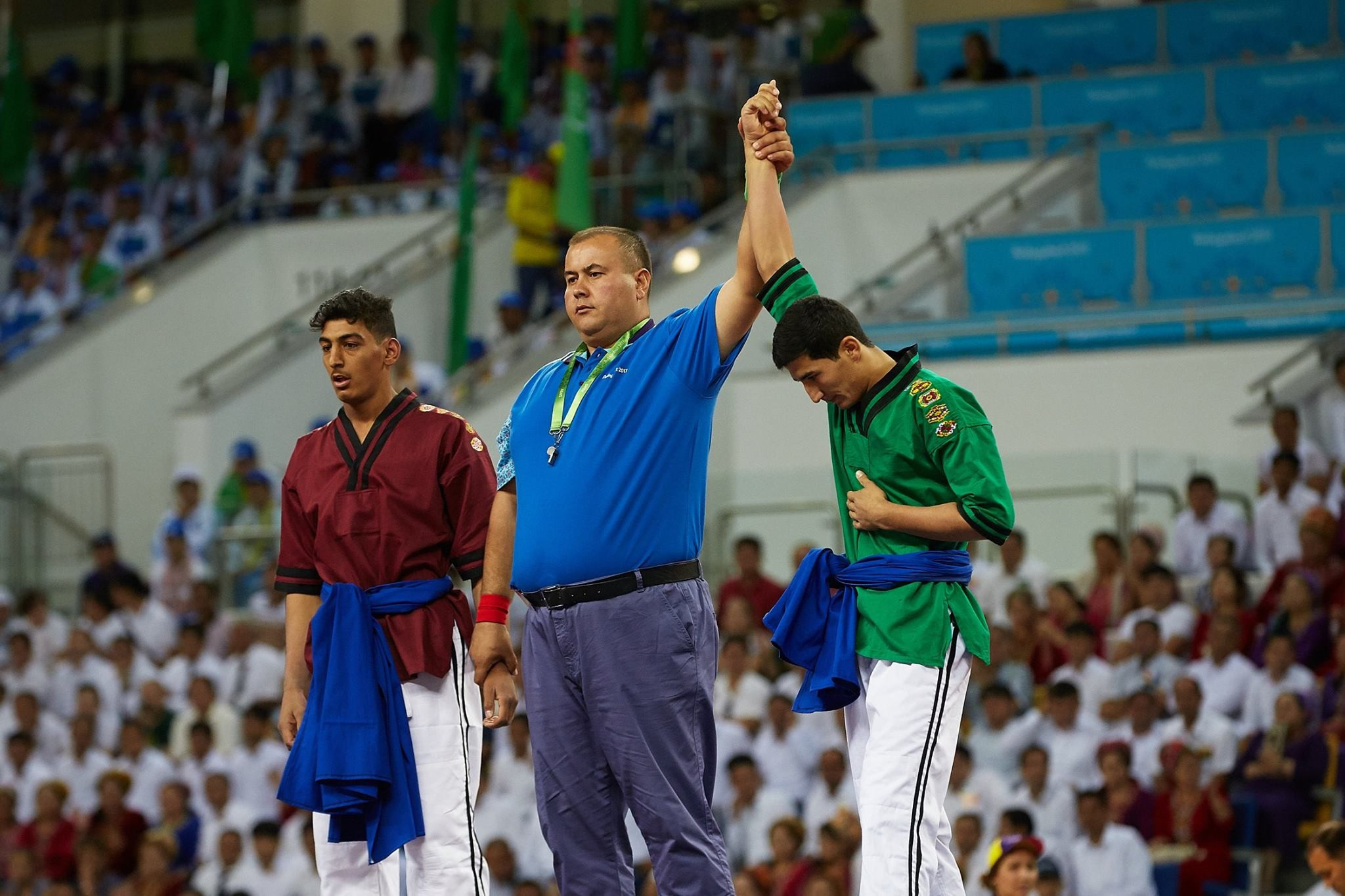 Hosts claim 10 gold medals on first day of Ashgabat 2017 traditional wrestling action