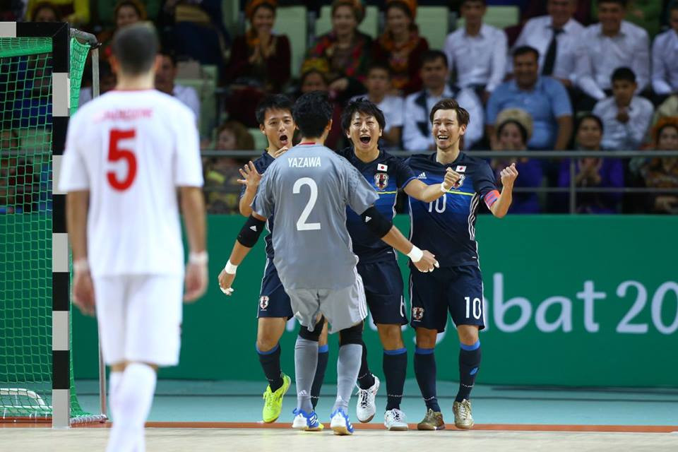 Japan and Lebanon were other teams to lock horns in futsal today ©Ashgabat 2017