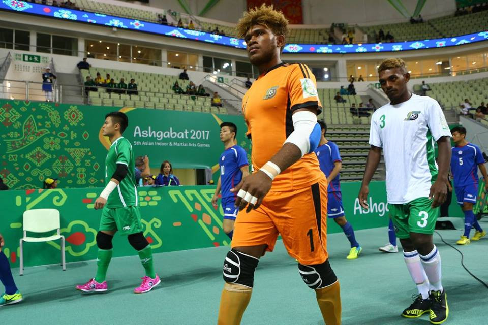 Players from Solomon Islands and Tahiti compete in futsal at Ashgabat 2017 ©Ashgabat 2017