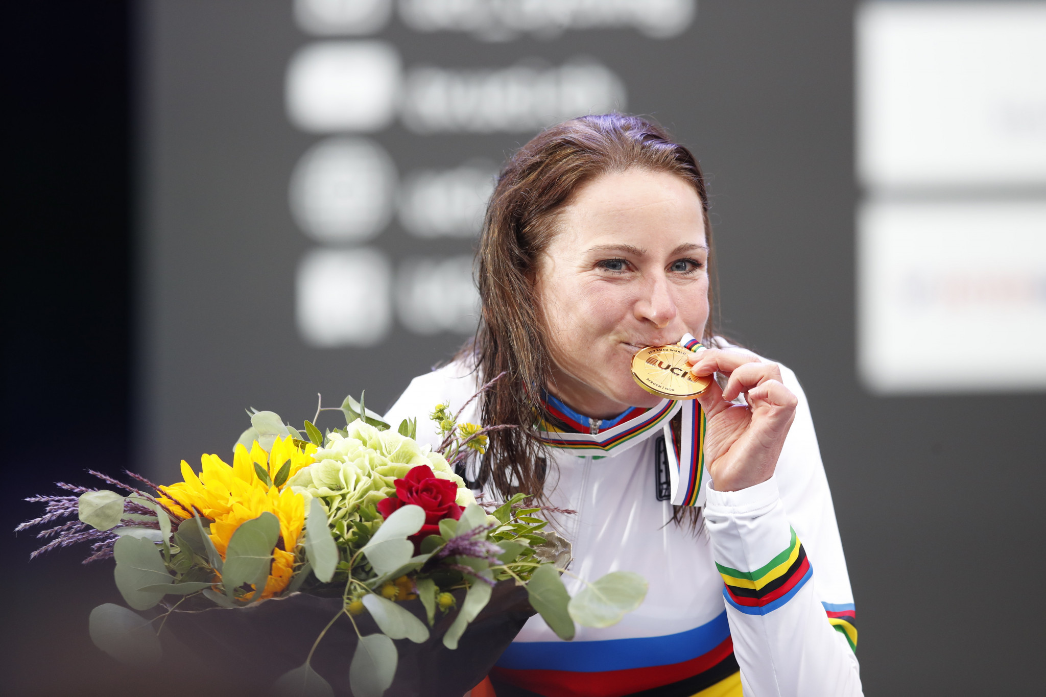 Van Vleuten triumphs as Dutch claim women's time trial one-two at Road World Championships