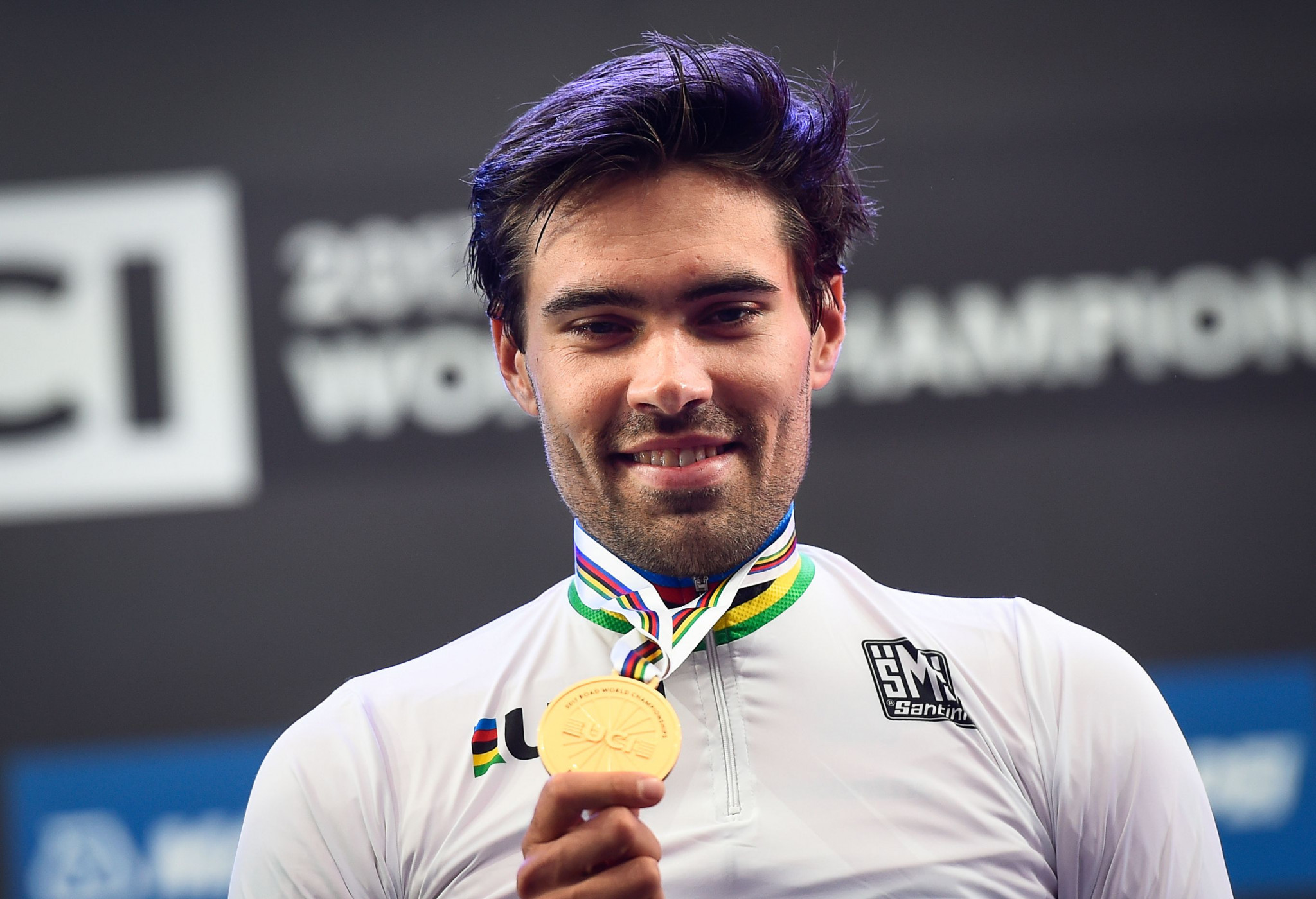 Dumoulin dominates men's individual time trial at UCI Road World Championships