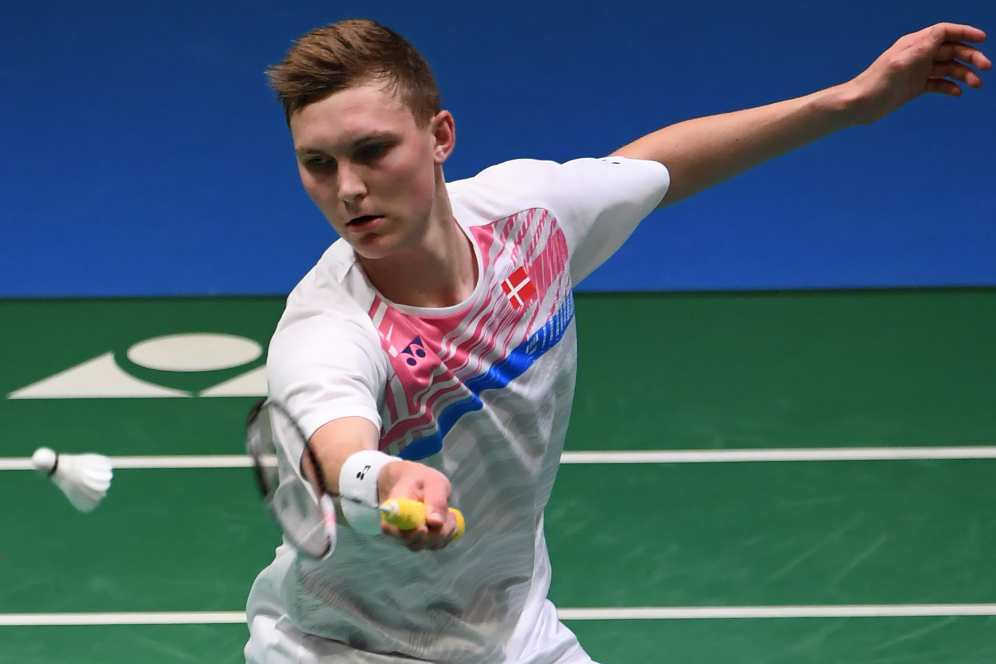World champion Axelsen among those through at BWF Japan Open
